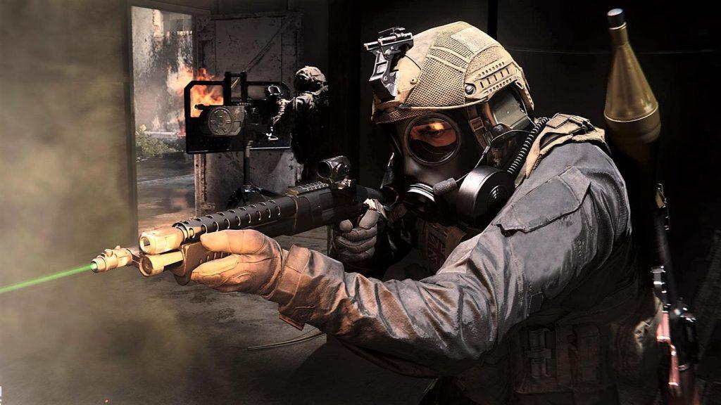 """CoD-Modern-Warfare-armas """"class ="""" lazy lazy-hidden wp-image-451524 """"srcset ="""" https://images.mein-mmo.de/medien/2019/12/CoD-MOdern-Warfare-waffen- 1024x576.jpg 1024w, https://images.mein-mmo.de/medien/2019/12/CoD-MOdern-Warfare-waffen-300x169.jpg 300w, https://images.mein-mmo.de/medien/ 2019/12 / CoD-Modern-Warfare-waffen-150x84.jpg 150w, https://images.mein-mmo.de/medien/2019/12/CoD-MOdern-Warfare-waffen-768x432.jpg 768w, https: //images.mein-mmo.de/medien/2019/12/CoD-MOdern-Warfare-waffen-1536x864.jpg 1536w, https://images.mein-mmo.de/medien/2019/12/CoD-MOdern -Warfare-waffen.jpg 1632w """"data-lazy-tamaños ="""" (ancho máximo: 1024px) 100vw, 1024px """"> En el modo hardcore, debes confiar más en tus ojos y oídos que en minimapas y kill- levas.      <h2>El modo Hardcore tiene sus propias reglas y armas.</h2> <p><strong>¿Qué reglas se aplican en los modos HC?</strong> En comparación con los modos normales y básicos, tienes significativamente menos salud en el modo HC, que tampoco se regenera. El HUD también viene en una versión muy debilitada.</p> <ul> <li> <strong>Poca salud</strong> <ul> <li>En lugar de 100, solo 30 HP</li> </ul> </li> <li> <strong>Sin regeneración de salud.</strong> <ul> <li>La salud solo puede ser regenerada por stims.</li> </ul> </li> <li> <strong>Sin cámara de lanzamiento</strong> <ul> <li>No ves de dónde te mataron los enemigos</li> </ul> </li> <li> <strong>Sin radar</strong> <ul> <li>Las pantallas de radar solo están disponibles con un dron de reconocimiento</li> </ul> </li> <li> <strong>No un HUD</strong> <ul> <li>No hay información sobre su revista o el resto del equipo.</li> </ul> </li> </ul> <p>La baja salud reduce el tiempo que los jugadores van al suelo (TTK) y cambia la sensación del juego debido a la falta de pantallas. </p> <p>Esto lo hace más difícil en algunos lugares, pero también está menos distraído por la entrada más baja. Esto es lo que hace que el hardcore sea tan especial y algunos jugadores solo están en modo HC.</p> <p>    <img """