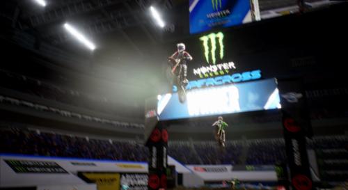 Saltando en el aire en Monster Energy Supercross 3
