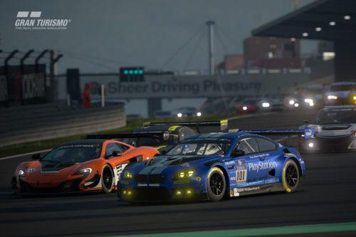Gran Turismo Sport racing en Nurburgring