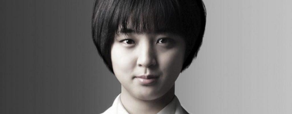 """LoL-Ryhu-Korea.v4-1140x445 """"class ="""" lazy lazy-hidden wp-image-485270 """"srcset ="""" https://images.mein-mmo.de/medien/2020/03/LoL-Ryhu-Korea. v4-1140x445-1-1024x400.jpg 1024w, https://images.mein-mmo.de/medien/2020/03/LoL-Ryhu-Korea.v4-1140x445-1-300x117.jpg 300w, https: // images.mein-mmo.de/medien/2020/03/LoL-Ryhu-Korea.v4-1140x445-1-150x59.jpg 150w, https://images.mein-mmo.de/medien/2020/03/LoL -Ryhu-Korea.v4-1140x445-1-768x300.jpg 768w, https://images.mein-mmo.de/medien/2020/03/LoL-Ryhu-Korea.v4-1140x445-1.jpg 1140w """"datos -lazy-size = """"(max-width: 1024px) 100vw, 1024px""""> Debería dimitir debido a una infracción en LoL.  <h2>LoL es un problema político en Corea del Sur</h2> <p>El político Ryu Hyo-young muestra lo importante que es el juego para Corea del Sur. Se metió en problemas como política en marzo porque compartió su cuenta de LoL en 2014. La acusación fue: un jugador más fuerte te habría impulsado.</p> <p>Otro político la criticó como un defecto de carácter que se interpondría en el camino de una carrera política. El político que hizo las acusaciones está familiarizado con el tema. Porque también fue una vez un jugador profesional, pero en Starcraft, no en LoL.</p> <p>La política debería renunciar porque compartió su cuenta en League of Legends</p> <p>Los ex jugadores que ahora son políticos profesionales seguramente entenderán la información que extiende la carrera de Fakers en LoL. Queda por ver si los políticos aprobarán el cambio en la ley:</p>   </div><!-- .entry-content /-->  <script type="""