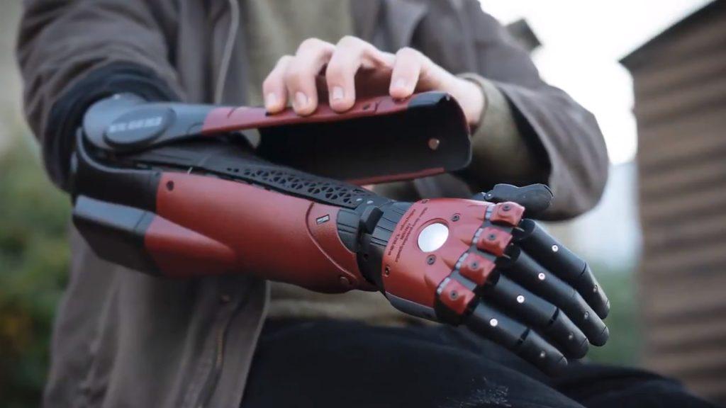 Brazo biónico de serpiente sólida de Metal Gear