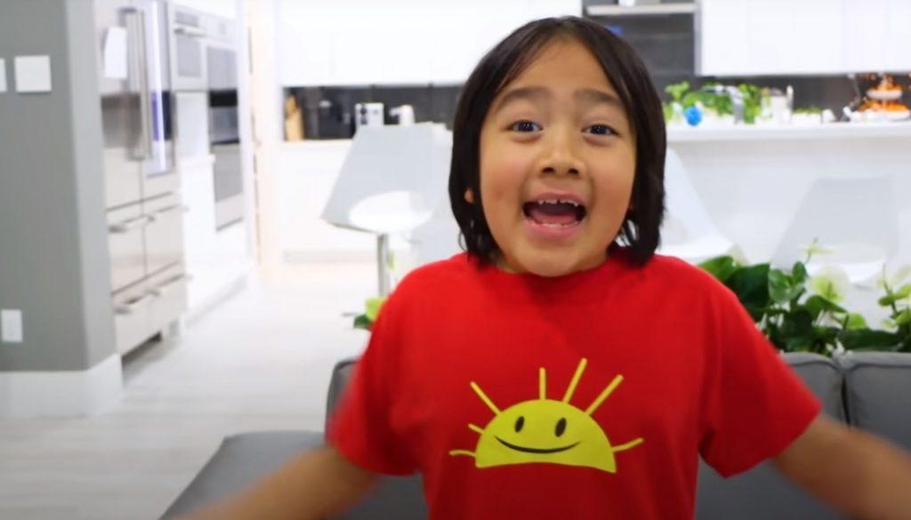 """YouTube-Ryan-Kaji """"class ="""" wp-image-632427 """"srcset ="""" http://dlprivateserver.com/wp-content/uploads/2020/12/El-transmisor-de-juegos-mas-grande-revela-accidentalmente-cuanto-dinero.jpg 1024w, https: / /images.mein-mmo.de/medien/2020/12/YouTube-Ryan-Kaji-300x171.jpg 300w, https://images.mein-mmo.de/medien/2020/12/YouTube-Ryan-Kaji- 150x86.jpg 150w, https://images.mein-mmo.de/medien/2020/12/YouTube-Ryan-Kaji-768x439.jpg 768w, https://images.mein-mmo.de/medien/2020/ 12 / YouTube-Ryan-Kaji-1536x877.jpg 1536w, https://images.mein-mmo.de/medien/2020/12/YouTube-Ryan-Kaji.jpg 2036w """"tamaños ="""" (ancho máximo: 1024 px) 100vw, 1024px """"> Ryan Kaji, de 9 años, vence a todos, incluidos Valkyrae y Ninja.     <p>También hay competencia por Valkyrae en el propio YouTube. El más grande es un niño. Porque un niño de 9 años gana actualmente la mayor cantidad de dinero en YouTube. Ryan Kaji dirige un canal sobre juguetes y obtiene más dinero que los YouTubers conocidos como Markiplier. Estrellas como PewDiePie ni siquiera aparecen en el top 10.</p>   </div><!-- .entry-content /-->  <div id="""