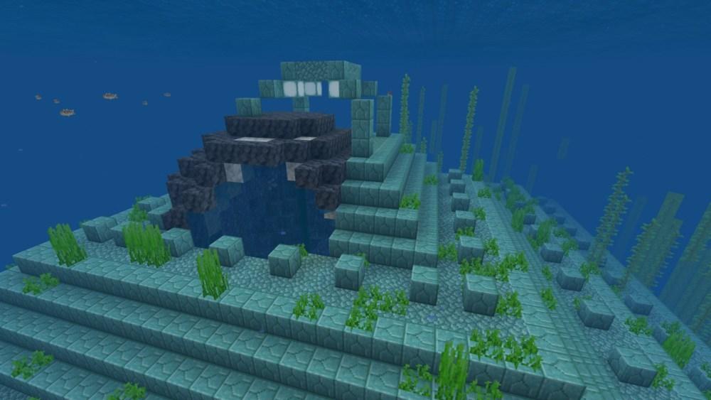 Geoda de amatista en monumento al océano