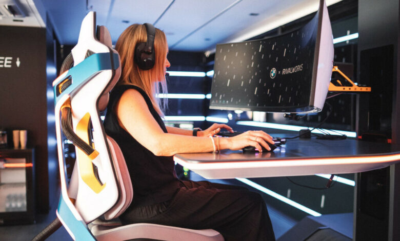 BMW muestra una silla de juego inspirada en una nave espacial diseñada para resolver todos sus problemas