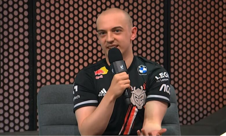 LoL: el mejor jugador de Europa se corta la cabeza calva para salvar a su equipo, y la tontería funciona