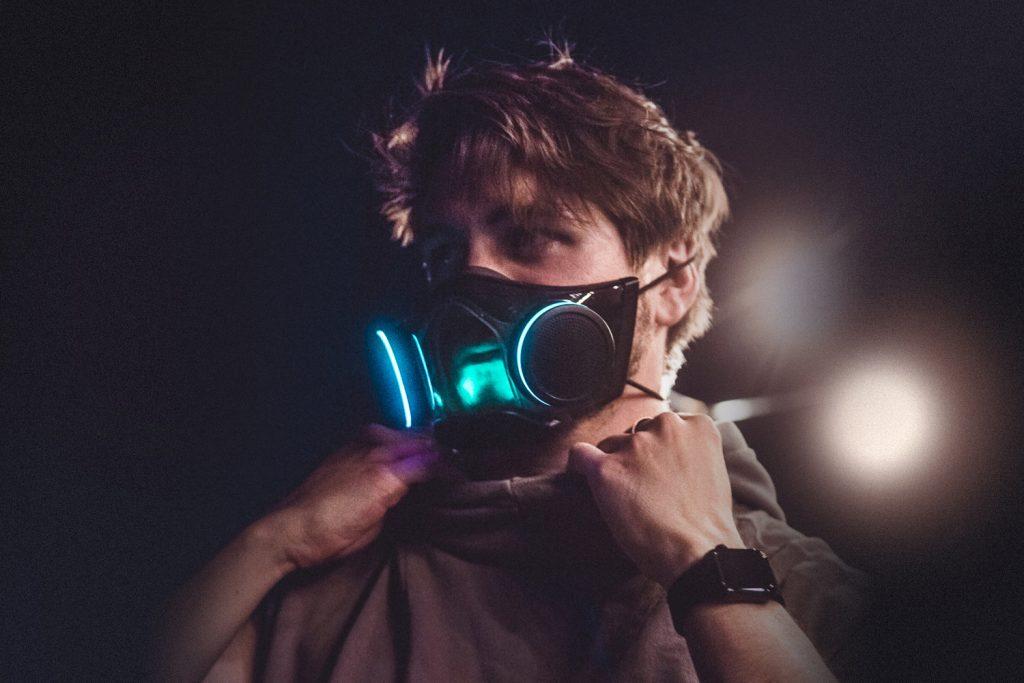 Máscara Razer Zephyr RGB cara